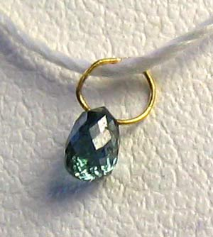 blue diamond on 18K pendant bead