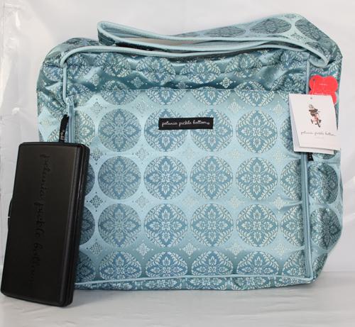 petunia pickle bottom shoulder diaper bag oasis ebay. Black Bedroom Furniture Sets. Home Design Ideas