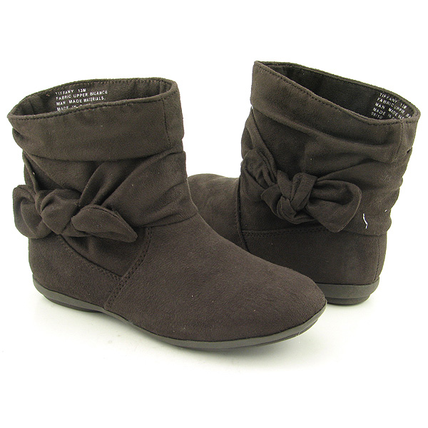 Post image for RAMPAGE Tiffany Ankle Boots Shoes Brown Youth Kids Girls