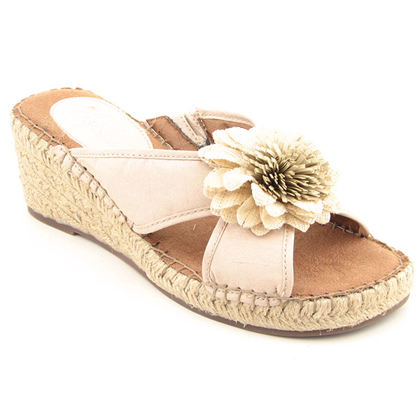f56288100e3e Life Stride Reef Beige Sandals Slides Shoes Womens 6 5 on PopScreen