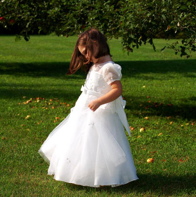 Site Blogspot  White Dress on Affordable Flower Girl Dresses  White Flower Girl Dress