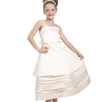 Click here for the champagne holiday flower girl dress at SophiasStyle.com.