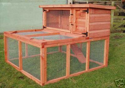 Home2222 gardenquails4u for Outdoor bunny hutch